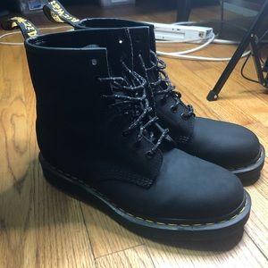 Dr. Martens 1460 8-Eye Boot - Size 7M/9W